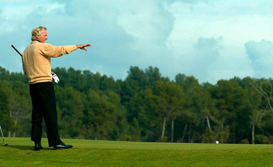 golf en barcelona real club de golf el prat greg norman