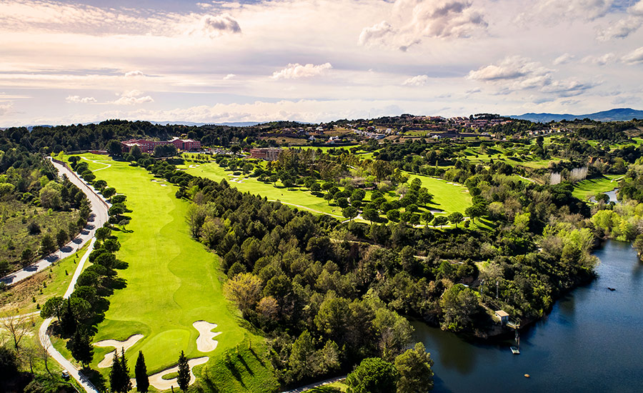 golf en barcelona club de golf barcelona campo lago