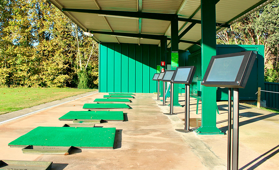 golf en barcelona club de golf la roca driving range