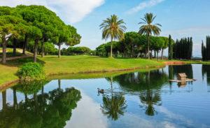 golf en barcelona club de golf llavaneras lago