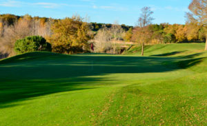 golf en barcelona club de golf montanya hoyo 12