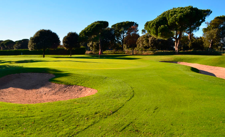 golf en barcelona club de golf montanya hoyo 7