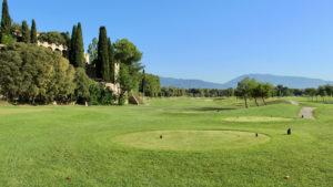 campo de golf la roca manso vilalba y vistas montaña