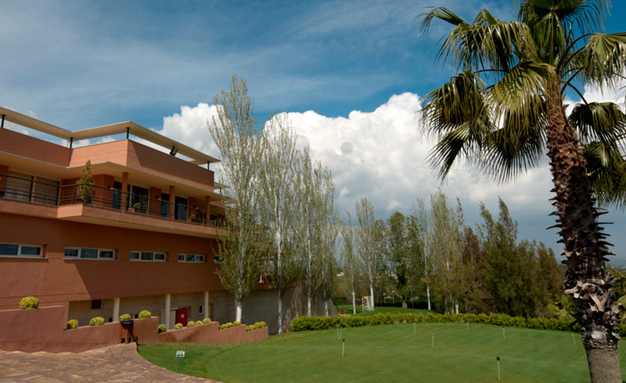 golf en barcelona club de golf barcelona casa club y palmera