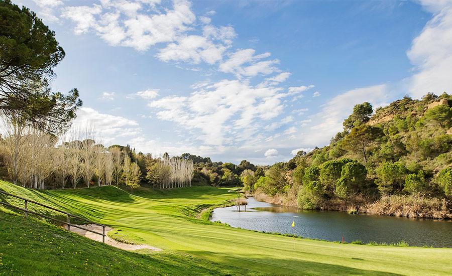 golf en barcelona club de golf barcelona lago