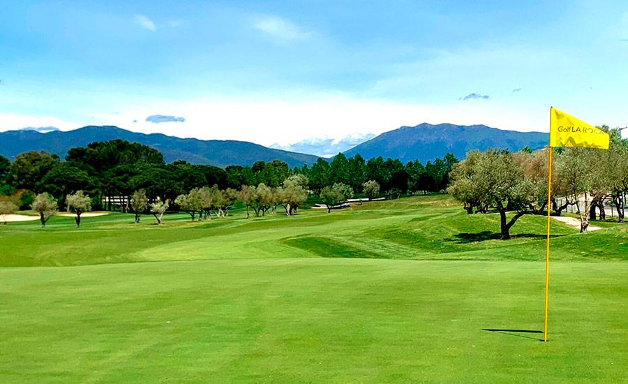 golf in barcelona club de golf la roca yellow flag