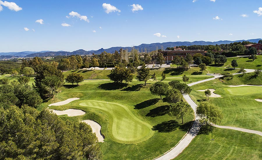 10 razones para jugar a golf en barcelona club de golf barcelona