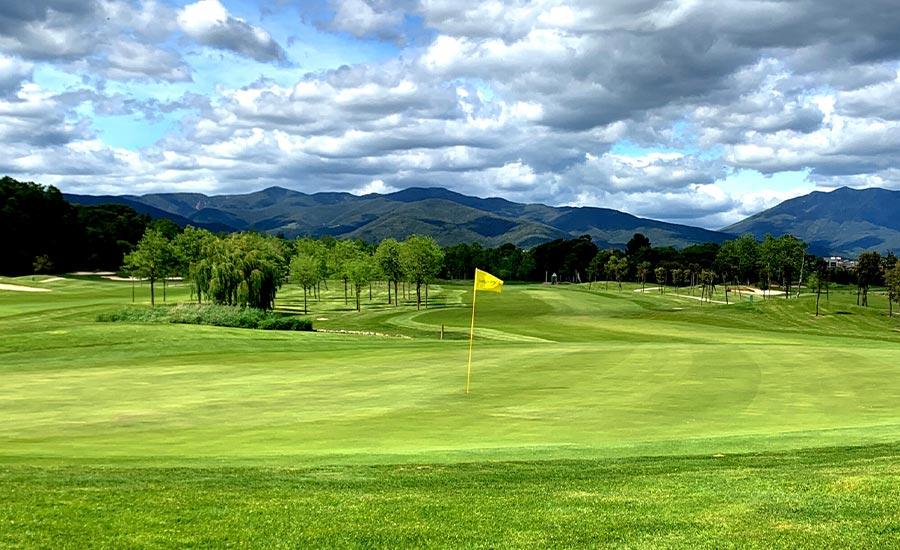 10 razones para jugar a golf en barcelona golf la roca